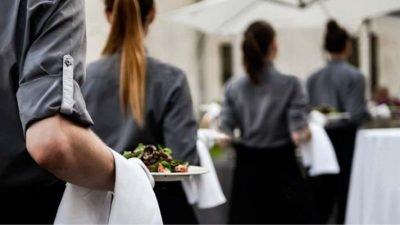 Camareros para Catering de Empresas en Madrid Paradise Events