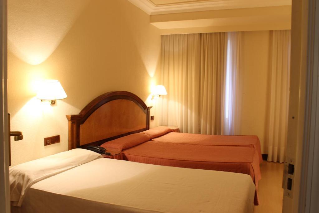 Hotel en Salamanca Despedida Soltera y Soltero · Alojamiento · Paradise Events 1