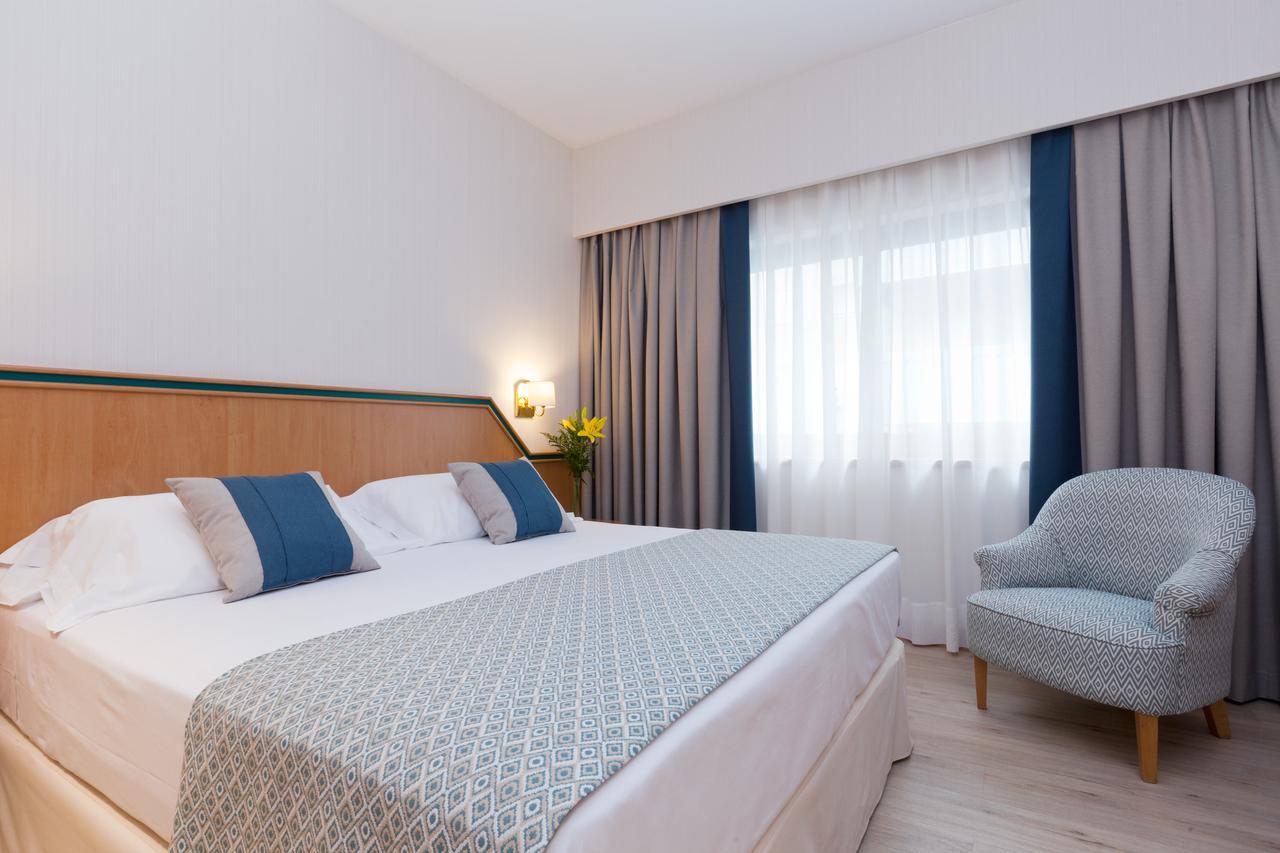 Hotel 4 3
