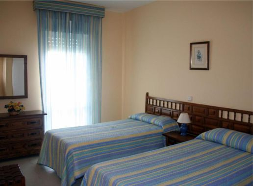 Apartamentos Benal Beach Habitacion para Despedida de Soltera y Soltero en Malaga