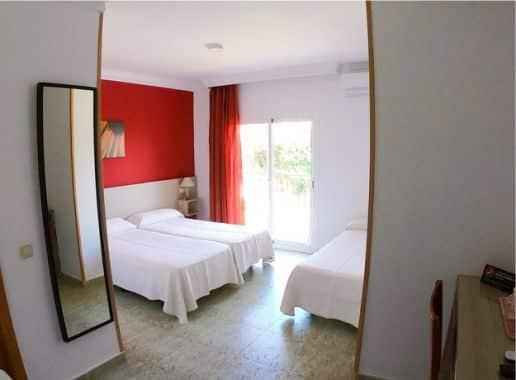 Hotel Carmen Teresa Habitacion para Despedida de Soltera y Soltero en Malaga