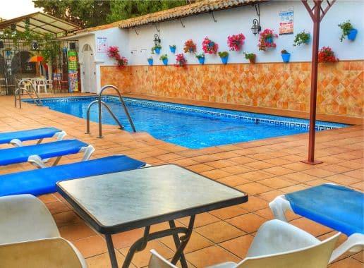 Hotel Carmen Teresa Piscina para Despedida de Soltera y Soltero en Malaga Benalmadena